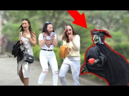 SCARY HALLOWEEN GHOST PRANK 👻 2019 – AWESOME REACTIONS – Best of Just For Laughs