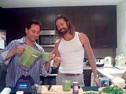 SUPER GREEN SMOOTHIE RECIPE! ~ LOU CORONA ~ Raw Living Food Recipe