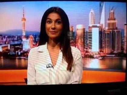 BBC World News's Yalda Hakim not realising she's on air   9 August 2016