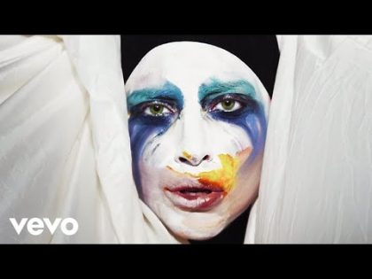Lady Gaga – Applause (Official Music Video)